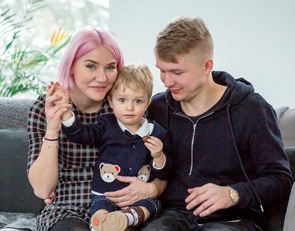 муж и сын Катя Конасова фото